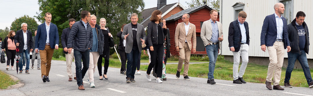 Surströmmingspremiär I Kallax by, folkligt och festligt