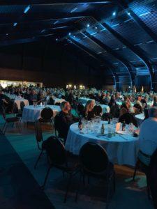 ca 700 gäster kom